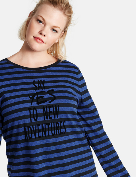 Long sleeve top with printed lettering