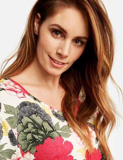 T-shirt z kwiatowym nadrukiem
