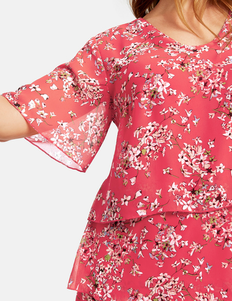 Chiffon dress with a floral print