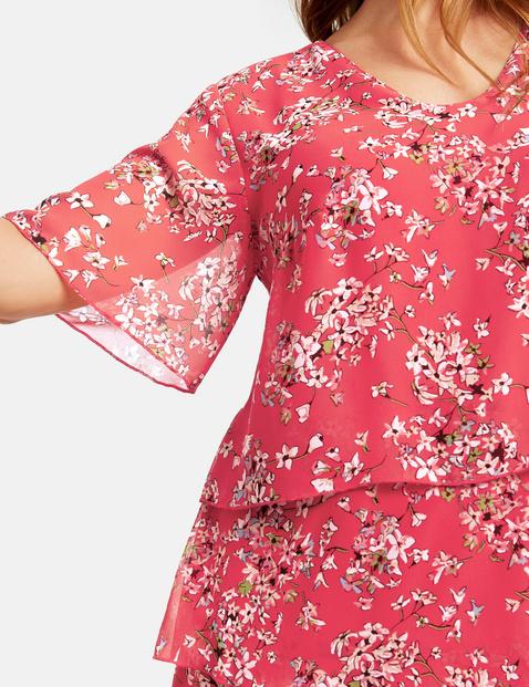 Szyfonowa sukienka z nadrukiem w kwiaty