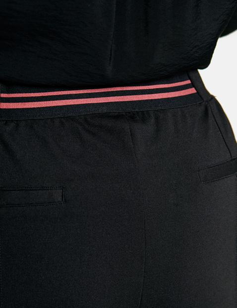 Culotte met contrasterende strepen opzij