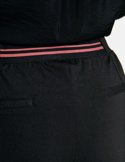 Culottes with contrasting side stripes