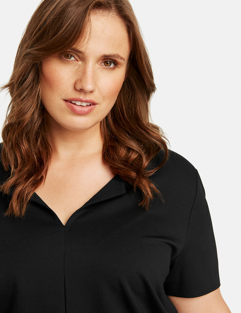 Top made of firm jersey fabric