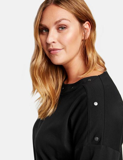 Sweatshirt with stud embellishments made of organic cotton