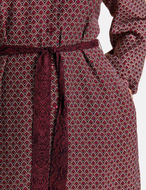 Hemdblusenkleid mit Bindegürtel
