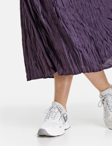 Midi skirt with a crushed effect