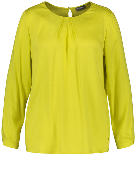 Flowing viscose blouse