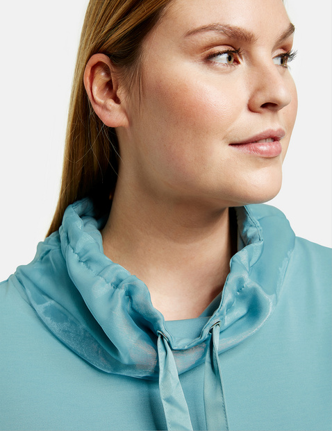 Sweatshirt with chiffon details