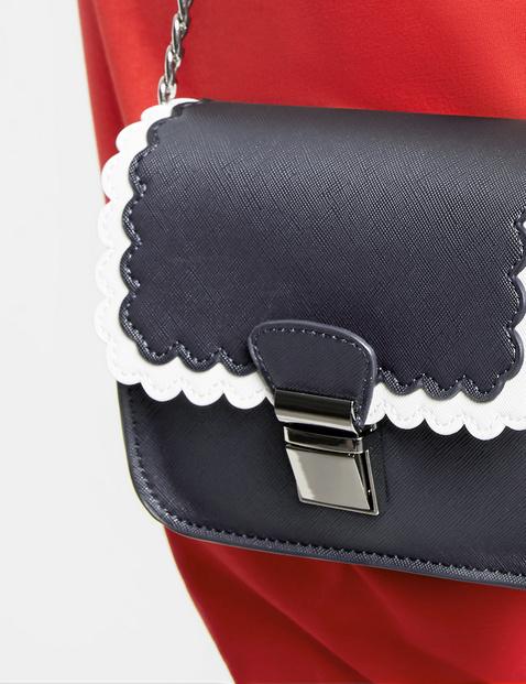 Handtaschen mit Kettenriemen
