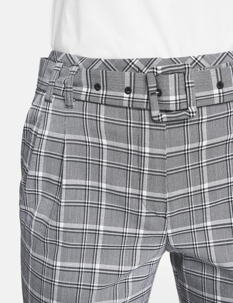 Spodnie w kratkę