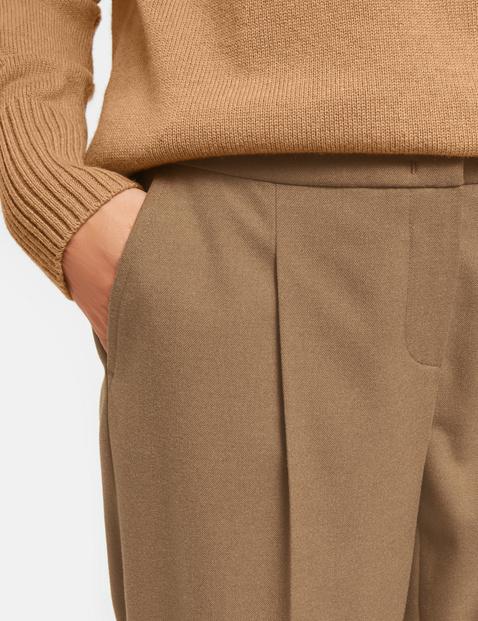 Hose mit Bundfalte