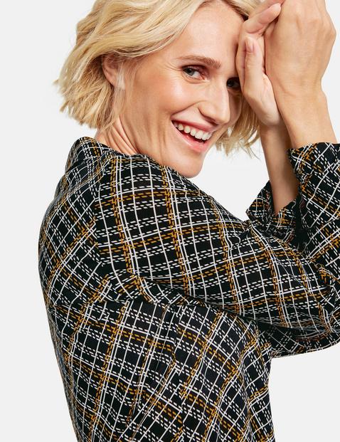 Long sleeve blouse with diagonal checks