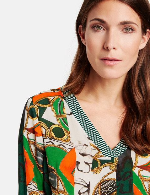 Blouse with a V-neckline