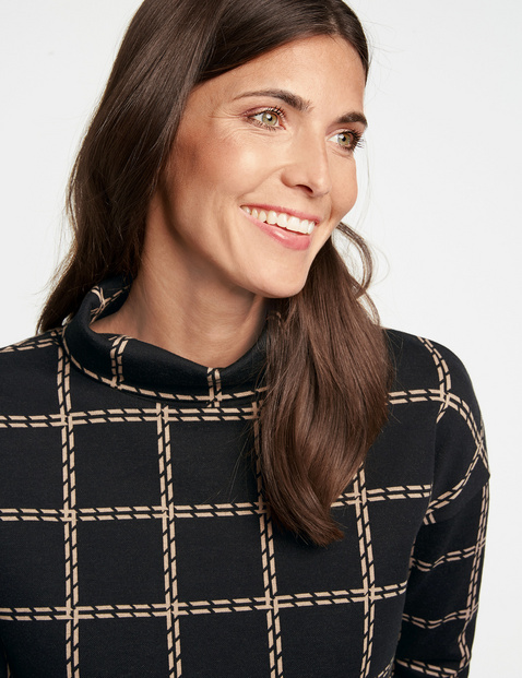Long sleeve top with a jacquard pattern