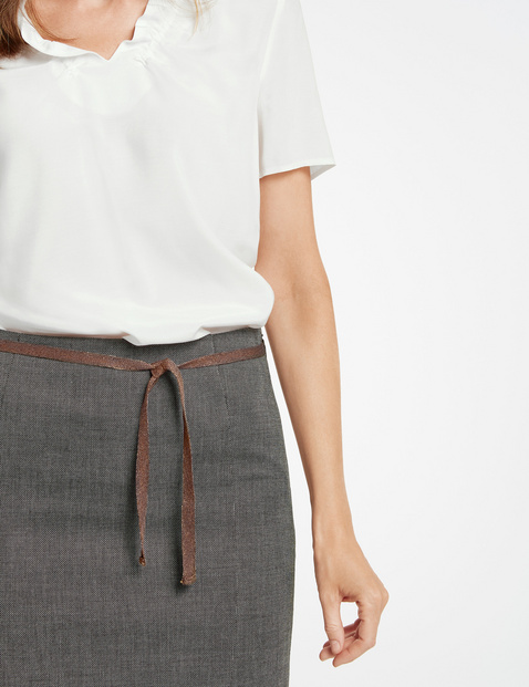 Skirt with a two-tone finish