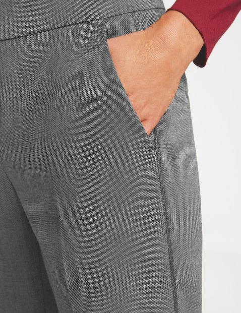 Trousers with a two-tone design