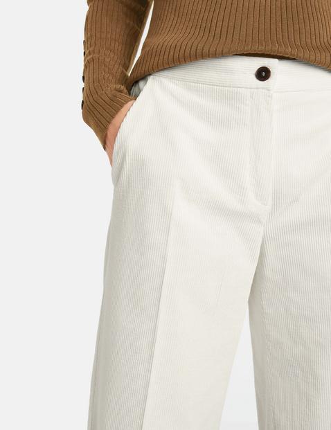 Spodnie z miękkiego sztruksu