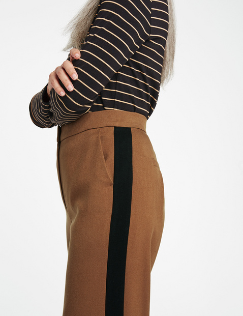 Wide trousers with tuxedo stripes