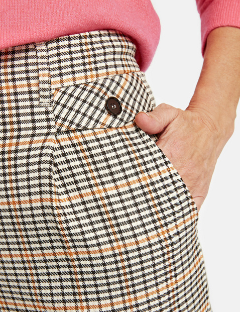 Wide trousers with checks