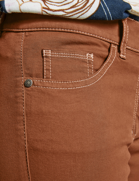 Cargo trousers with contrasting topstitching