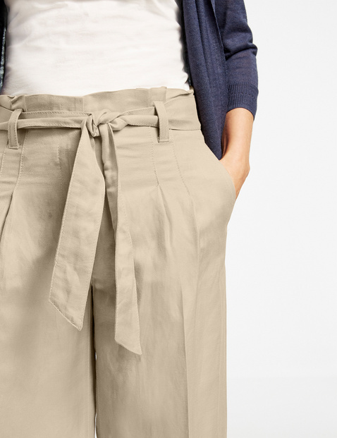 Wide trousers in a linen/viscose blend