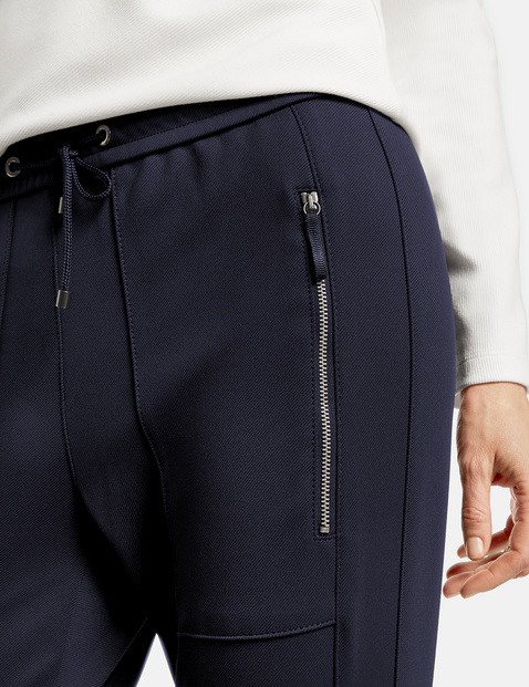Tracksuit bottoms with a wide hem