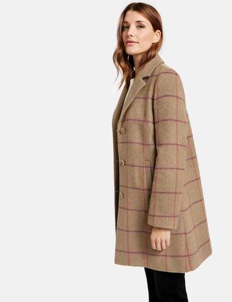 Krótki płaszcz w kratkę