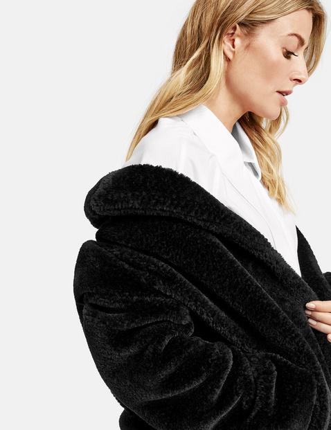 Płaszcz z pluszowego futerka