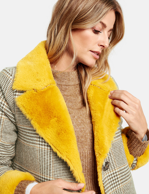Coat with a Prince of Wales check
