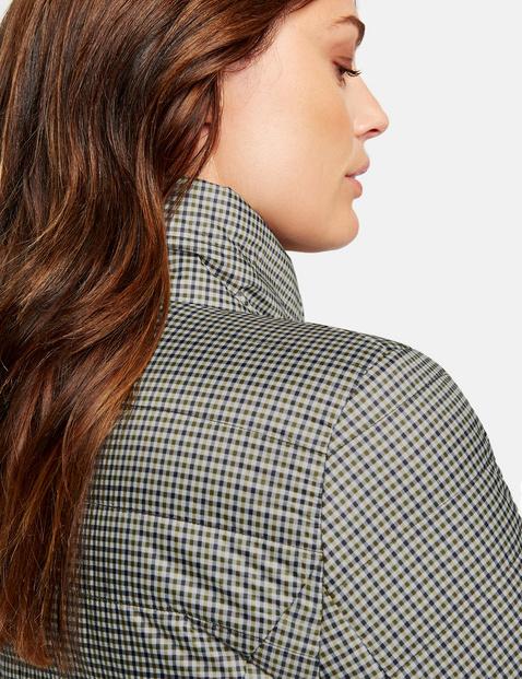 Pikowana kurtka w kratkę