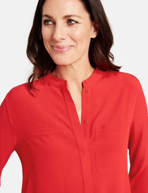 Long sleeve blouse with breast pockets