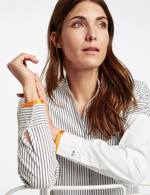 Blouse jacket with a striped appliqué