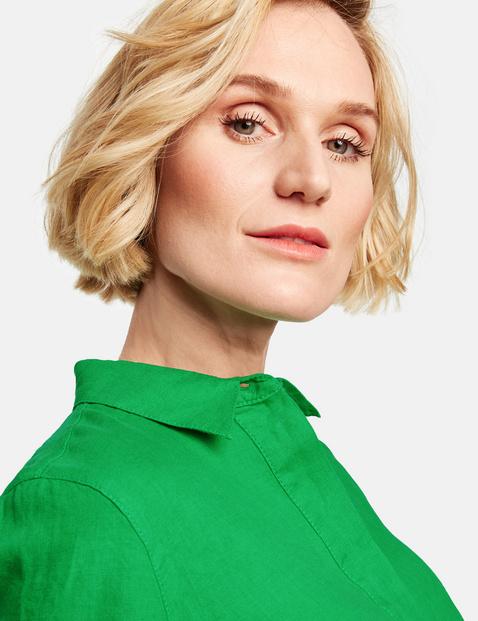 Flared 1/2-sleeve blouse