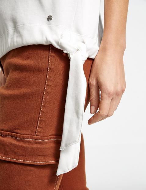 1/2-Length sleeve top with a hem tie