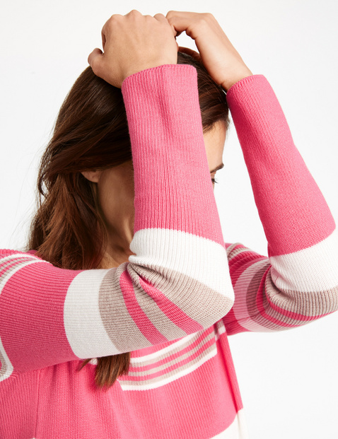 Jumper with horizontal stripes
