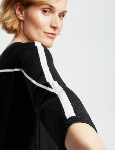 3/4-length sleeve jumper with contrasting stripes