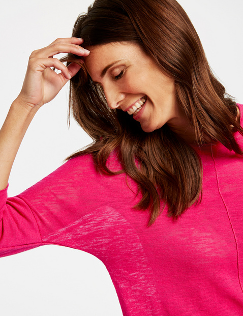 3/4-sleeve jumper with dividing seams