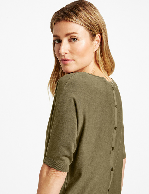Fine knit jumper with mid-length sleeves