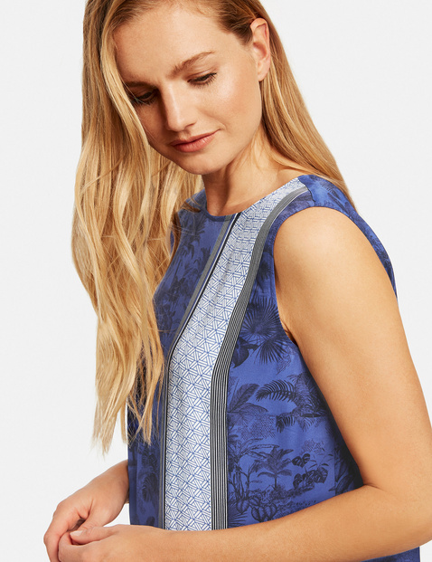 Dress with a panelled pattern