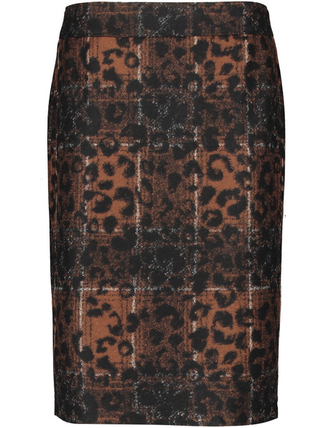 Skirt with a mixed pattern
