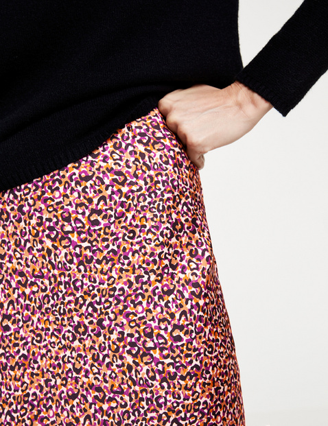 Skirt with a leopard pattern