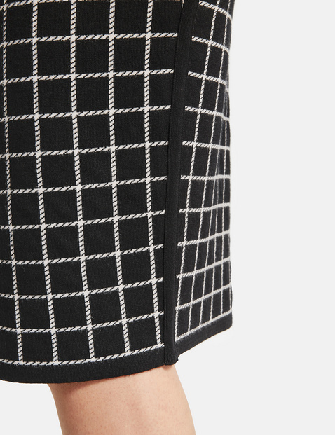 Checked knit skirt