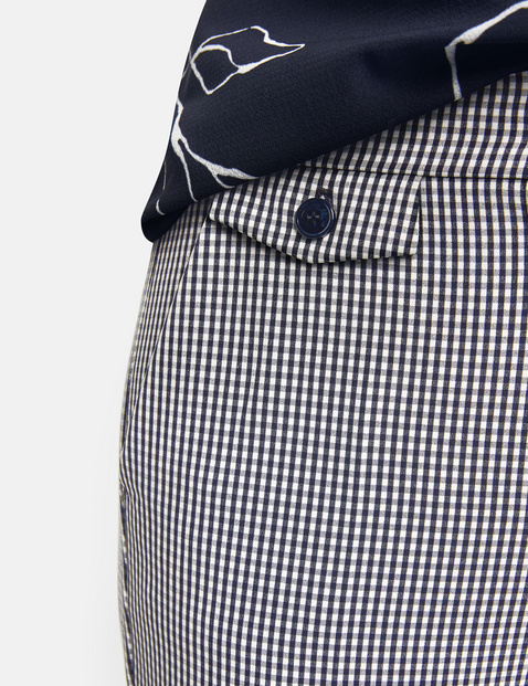 Trousers with gingham checks