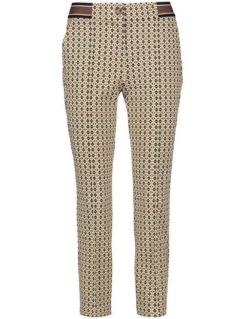 Trousers with an all-over pattern