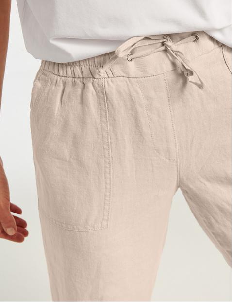 3/4-length linen trousers