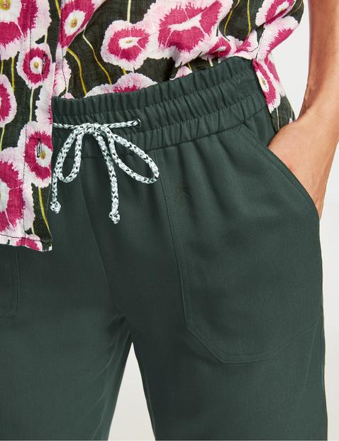 Easy Fit Bermuda shorts