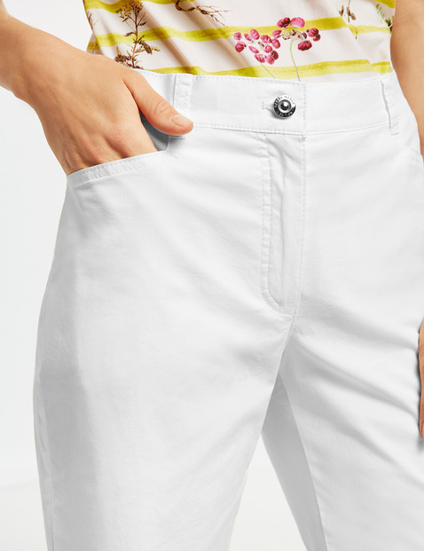 Bermuda shorts made of stretch cotton