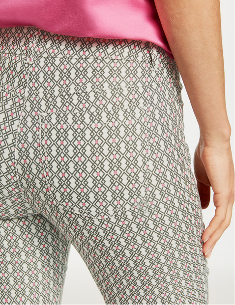 Capri trousers with a graphic pattern, Best4me