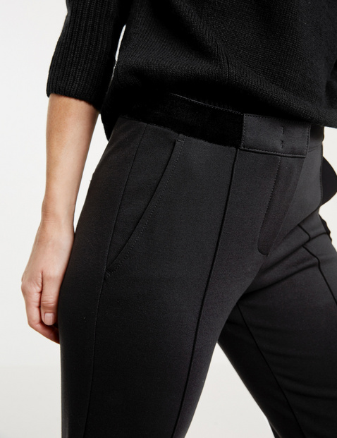 City-style trousers with vertical pintucks