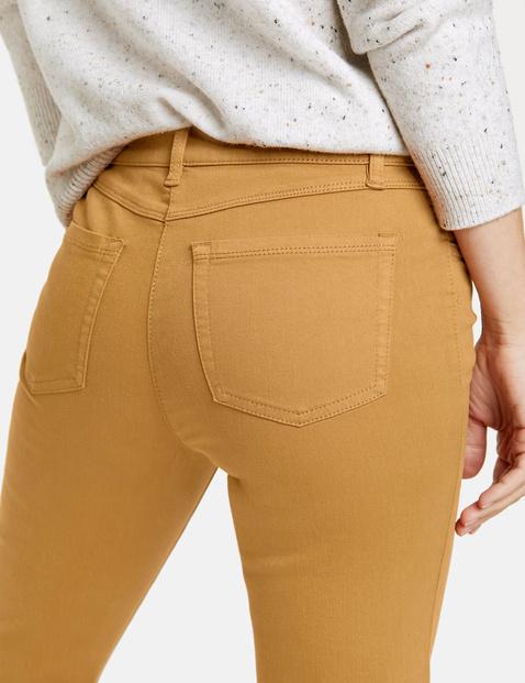 Spodnie z 5 kieszeniami ze streczem